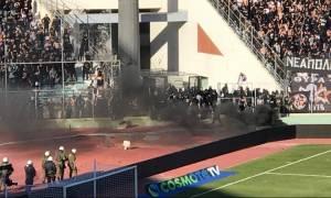 ΠΑΟΚ-ΑΕΚ: Πλακώθηκαν με τα ΜΑΤ οπαδοί του ΠΑΟΚ μέσα στο γήπεδο! (pics)