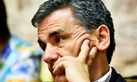 Τσακαλώτος: Για να μειωθούν οι φόροι πρέπει να αυξηθούν τα έσοδα