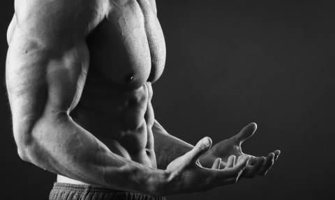 Οι 3 ασκήσεις που θα κορυφώσουν τα μπράτσα σου!