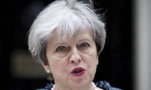 Βρετανία - Δημοσκόπηση: Μεγάλο προβάδισμα των Συντηρητικών έναντι των Εργατικών
