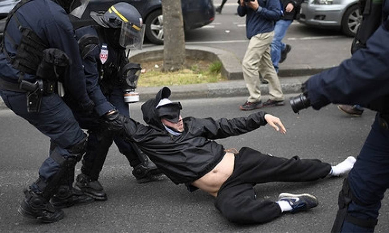 «Κόλαση» στο Παρίσι: Επεισόδια και συλλήψεις μετά την εκλογή του Μακρόν (pics+vids)