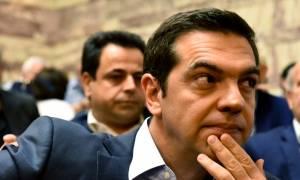 Στο υπουργείο Παιδείας ο Τσίπρας: Στην «πρέσα» οι υπουργοί και στο βάθος ανασχηματισμός