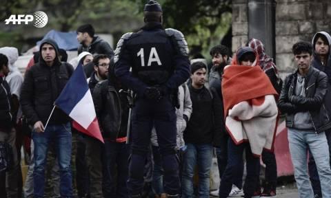 Γαλλία-Παρίσι: Σε εξέλιξη μεγάλη αστυνομική επιχείρηση για την απομάκρυνση προσφύγων