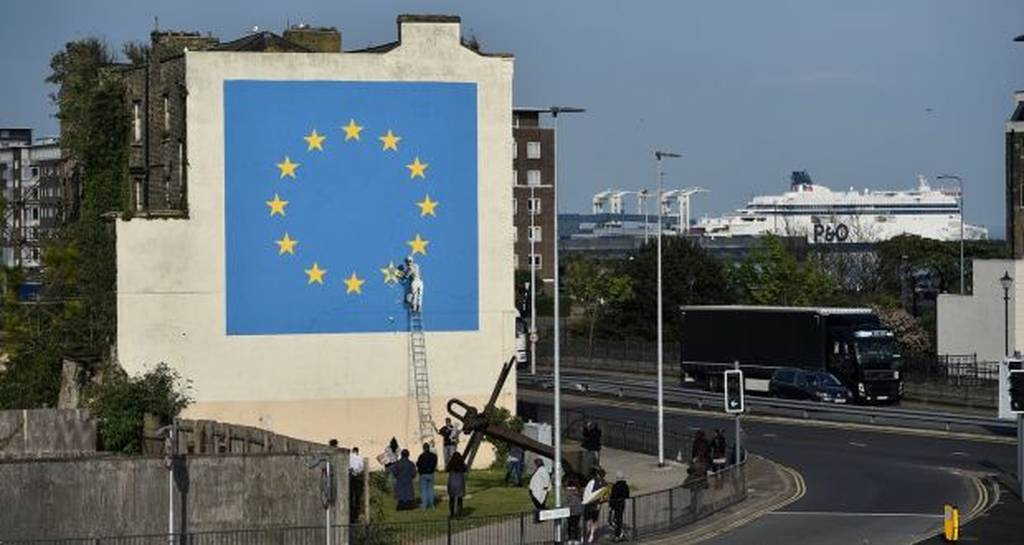 O ανατρεπτικός Banksy «ξαναχτύπησε» και στέλνει καυστικό μήνυμα για το Brexit