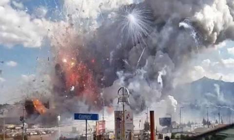 Έκρηξη σε αποθήκη βεγγαλικών - Τουλάχιστον 14 νεκροί (pics)
