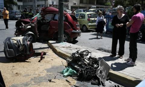 Σφοδρό τροχαίο στη Λ. Συγγρού - Μάχη για τη ζωή του δίνει ο οδηγός (pics+vid)