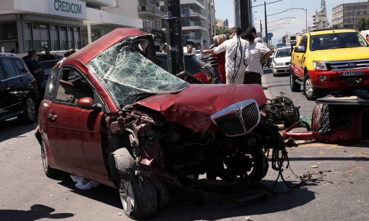 Θανατηφόρο τροχαίο στη Λ. Συγγρού  Νεκρός ο οδηγός του μοιραίου οχήματος  (vid) 19b55db7049