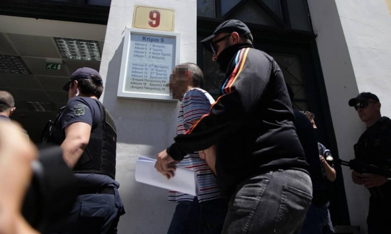 31051e6d68 https   www.newsbomb.gr media-agb story 792001 survivor-poios-tha ...
