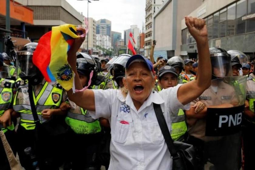 Βενεζουέλα: Επεισόδια στο Καράκας κατά του προέδρου Μαδούρο (pics)