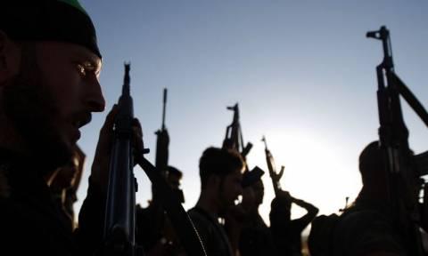 Συρία: Τουλάχιστον 1.500 αντάρτες αποχώρησαν από την Δαμασκό