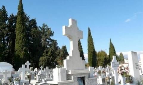 Αμαλιάδα: Ιερόσυλοι έκλεψαν λάδι από το κοιμητήριο