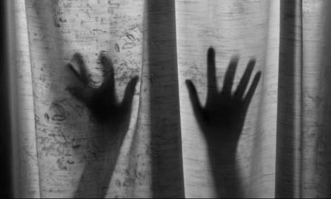 Κτηνωδία: Βίασαν ομαδικά 23χρονη και τη σκότωσαν συνθλίβοντας το κεφάλι της