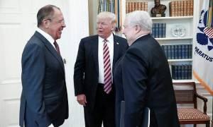 Τραμπ: Είχα «απόλυτο δικαίωμα» να μοιραστώ πληροφορίες με τη Ρωσία