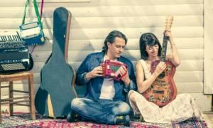 Ο Γιάννης Κότσιρας και η Μιρέλα Πάχου σε καλοκαιρινή περιοδεία