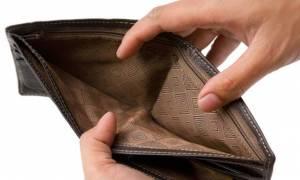 Φορολογία χωρίς έλεος: 700 ευρώ πρέπει να πληρώσει ένας στους τρεις φορολογούμενους