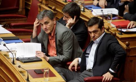 «Κατέρρευσε» η οικονομία: Πρωτογενές έλλειμμα 404 εκατ. ευρώ