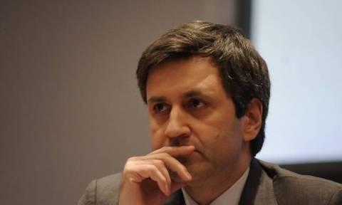 Μας δουλεύει ο Χουλιαράκης: Τα μέτρα και τα αντίμετρα ενισχύουν τα εισοδήματα του 50% του Ελλήνων