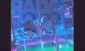 Τζένιφερ Λόρενς: Χόρεψε pole dancing σε στριπτιζάδικο και... προκάλεσε πανικό! (vid)