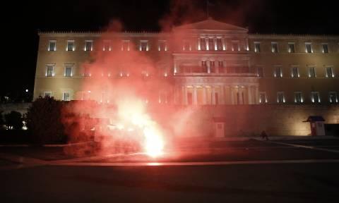 Ψηφίστηκε το τέταρτο Μνημόνιο – Τώρα αρχίζει ο Γολγοθάς των Ελλήνων