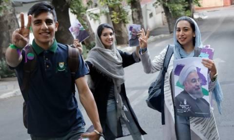 Ξεκίνησε η ψηφοφορία στις προεδρικές εκλογές του Ιράν (Vid)
