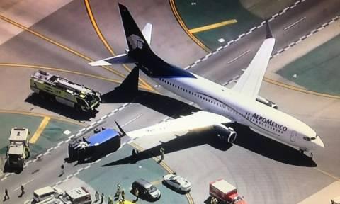 Σοβαρό ατύχημα: Επιβατικό αεροσκάφος συγκρούστηκε με φορτηγό (Pics+Vids)