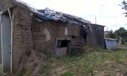 Σοκ στην Ηλεία: Οικογένεια ζει σε σπίτι - τρώγλη χωρίς ρεύμα