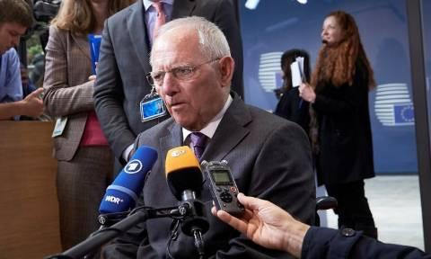 Eurogroup – Ψυχρολουσία από Σόιμπλε: Καμία απόφαση για το ελληνικό χρέος πριν το 2018