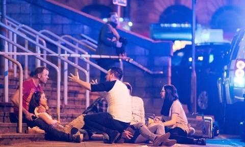 Έκρηξη στο Μάντσεστερ: Συγκλονιστικές εικόνες από τη σημείο της επίθεσης (pics)