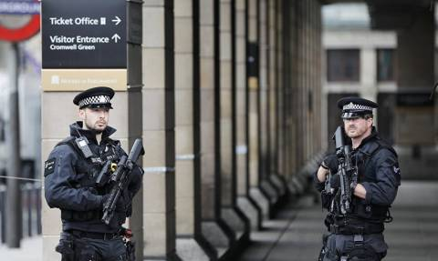 Συναγερμός στο Λονδίνο - Εκκενώθηκε σταθμός λεωφορείων (Pics)