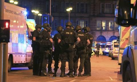 """""""Подлая вылазка"""": мировая реакция на взрыв в Манчестере"""
