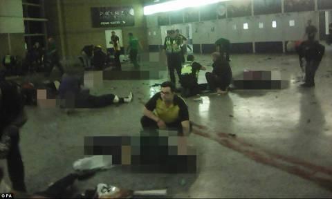 Έκρηξη Manchester: Σοκάρουν οι πρώτες φωτογραφίες από το σημείο της έκρηξης