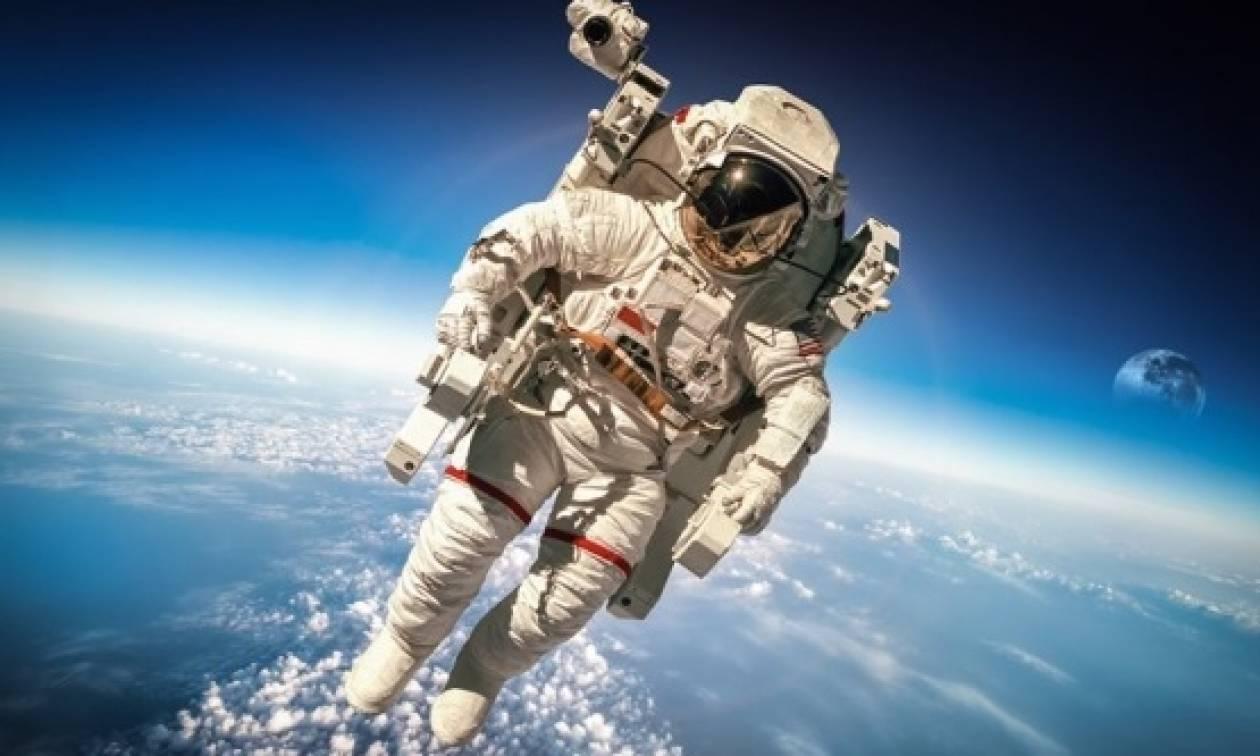 Διαστημικές... τσάντες και πουλόβερ! Μία νέα γαλαξιακή capsule συλλογή...