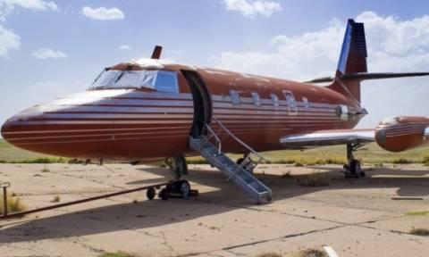 Πωλείται πάνω από 2 εκατομμύρια δολάρια το αεροσκάφος του Έλβις Πρίσλεϊ!