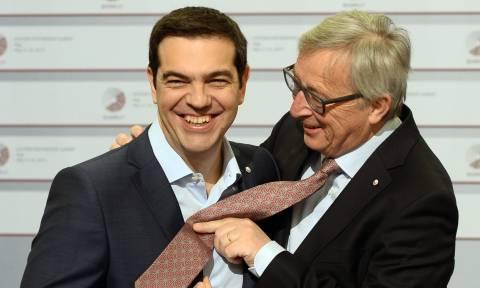 Süddeutsche Zeitung για την «ψυχρολουσία» με το χρέος: Στη ντουλάπα η γραβάτα του Τσίπρα