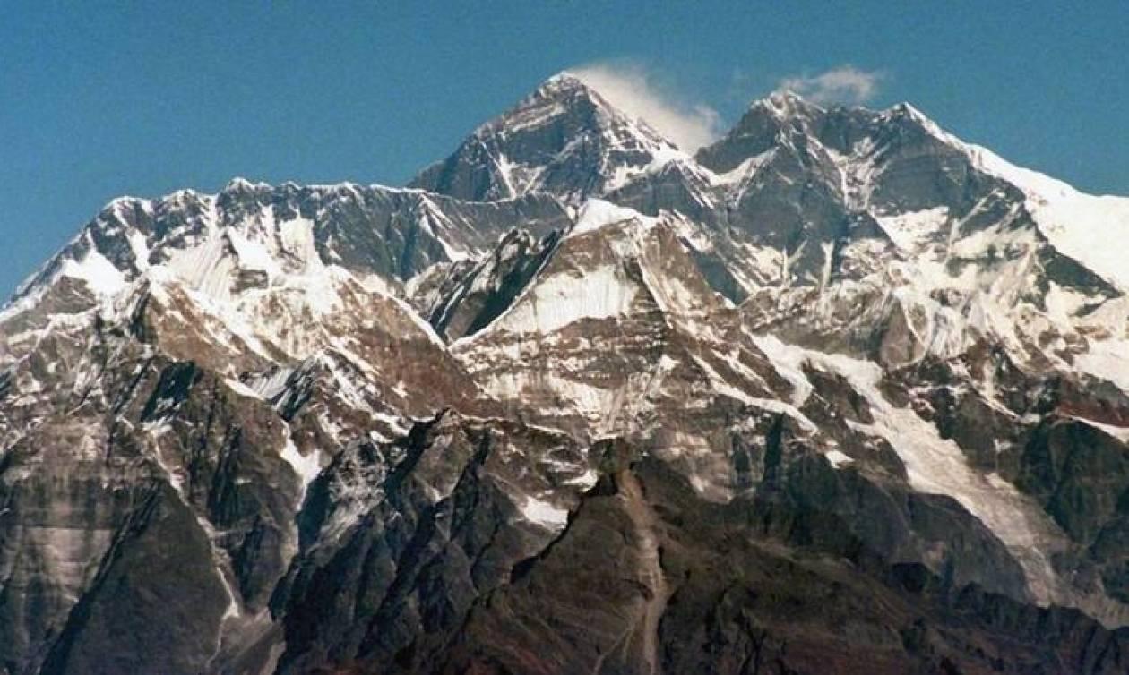Νέα τραγωδία  στο Έβερεστ: Ακόμη τέσσερις ορειβάτες νεκροί