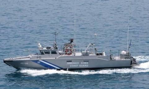 Συναγερμός στο Λιμενικό: Εντοπίστηκε φορτηγό πλοίο με εκρηκτικές ύλες