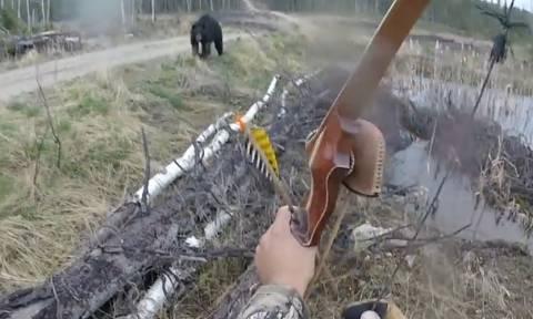 Συγκλονιστικό βίντεο: Εφιαλτική μάχη σώμα με σώμα μεταξύ αρκούδας και κυνηγού