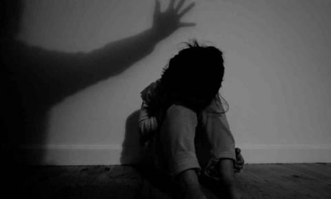 Χανιά: Την Παρασκευή η απολογία του πατέρα που βασάνιζε την κόρη του