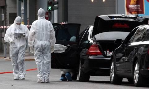 Δήλωση - «βόμβα»: «Ο παγιδευμένος φάκελος είχε σταλεί στο σπίτι του Λουκά Παπαδήμου»