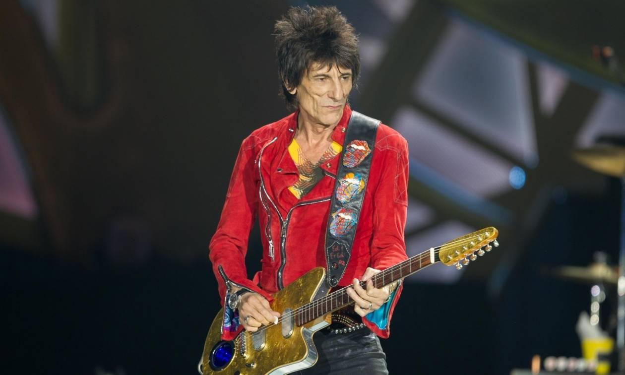 Στο νοσοκομείο εσπευσμένα ο κιθαρίστας των Rolling Stones (Vid)