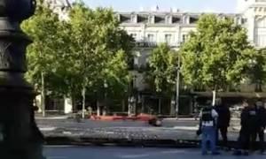 Παρίσι: Συναγερμός από ύποπτο όχημα στην Πλατεία Δημοκρατίας (vid)