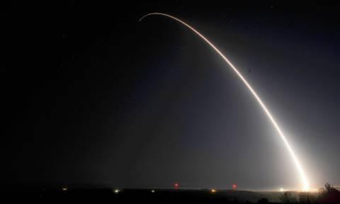 Οι ΗΠΑ δοκιμάζουν το σύστημα αναχαίτισης διηπειρωτικών πυραύλων μετά τις προκλήσεις της Β. Κορέας