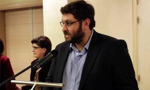 «Αναδίπλωση» Ζαχαριάδη: Λεκτική υπερβολή τα περί συγκυβερνήσεως με την τρόικα