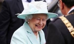 Απίστευτο! Αυτή τη σειρά παρακολουθεί φανατικά η βασίλισσα Ελισάβετ!