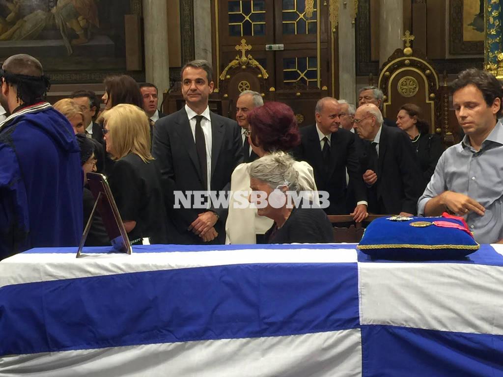 Κωνσταντίνος Μητσοτάκης: Σε λαϊκό προσκύνημα στην Ιερά Μητρόπολη η σορός του πρώην πρωθυπουργού