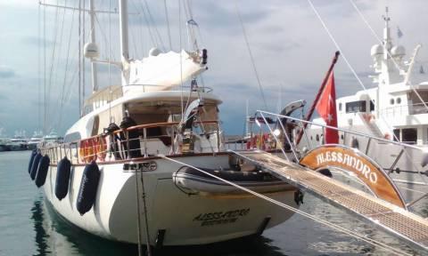 Αποκλειστικό Newsbomb.gr: Μεγάλη κομπίνα με «σκαφάτους» απατεώνες