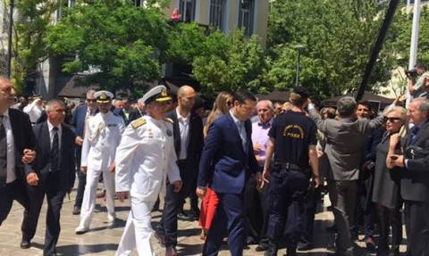 Γιούχαραν τον Τσίπρα στην κηδεία του Μητσοτάκη - Δείτε το βίντεο