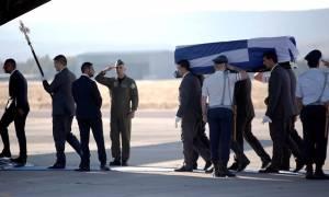 Κηδεία Μητσοτάκη: Στα Χανιά η σορός του πρώην πρωθυπουργού
