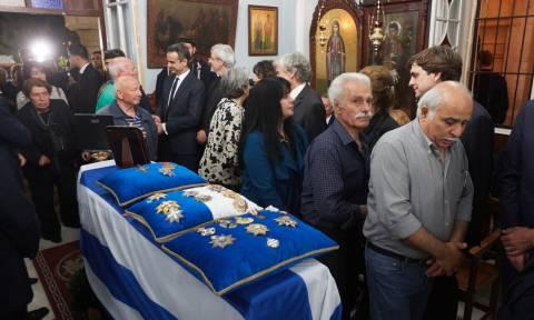 Κηδεία Κωνσταντίνου Μητσοτάκη: Η Κρήτη αποχαιρετά τον πρώην πρωθυπουργό (pics+vids)