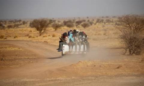 Τραγωδία: Δεκάδες μετανάστες νεκροί από δίψα στην έρημο του Νίγηρα
